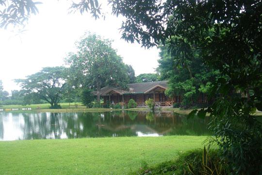 Lakeside-Lodge-from-Peninsula